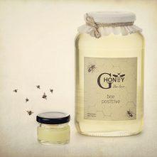 акациев мед с пчелно млечице