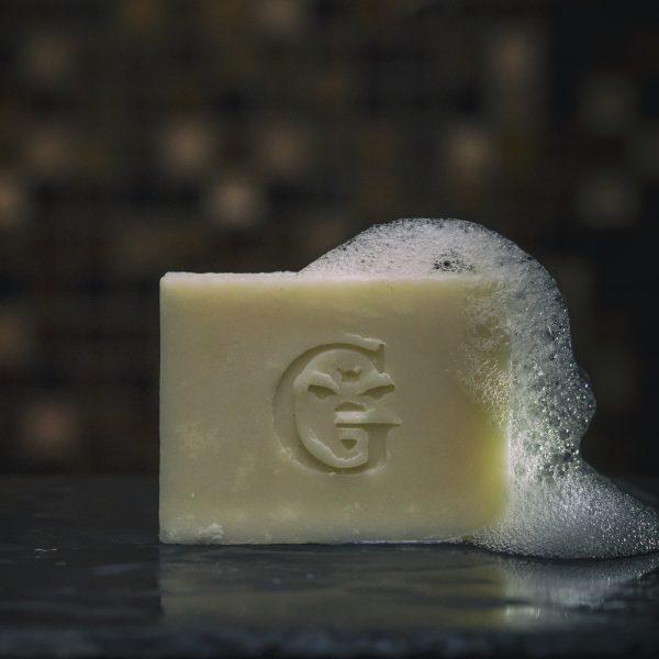натурален сапун с пяна